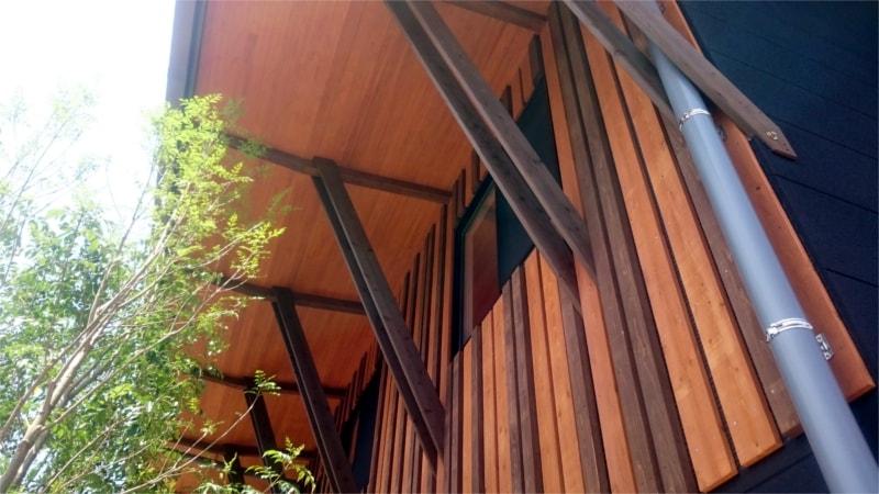 V・ファーレン長崎クラブハウス屋根の裏側部分